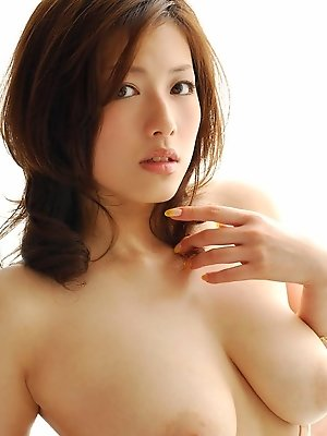 Japanese hottie opens...